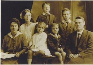 Cole_Family_Group_1920