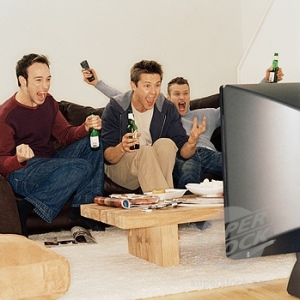 males watch tv