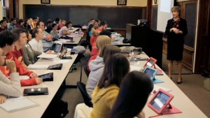 iPad-in-education-classroom